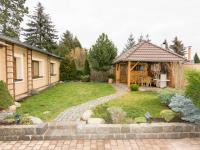 zahradní altán (Prodej domu v osobním vlastnictví 200 m², Unhošť)