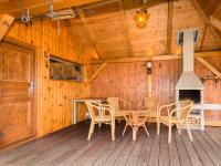 zahradní altán s krbem a dílnou (Prodej domu v osobním vlastnictví 200 m², Unhošť)