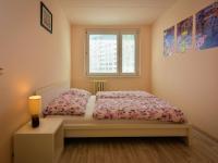 ložnice (Prodej bytu 2+kk v osobním vlastnictví 42 m², Praha 5 - Stodůlky)