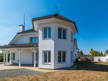 Pohled na dům - Prodej domu v osobním vlastnictví 312 m², Jesenice