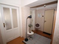Vstupní chodba (Prodej bytu 2+kk v osobním vlastnictví 67 m², Praha 8 - Karlín)