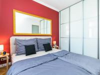 ložnice s šatnou - Prodej bytu 2+kk v osobním vlastnictví 50 m², Praha 3 - Žižkov