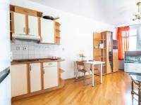 Obývací pokoj + kk - Prodej bytu 2+kk v osobním vlastnictví 43 m², Praha 5 - Motol