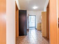 Předsíň (Prodej bytu 2+kk v osobním vlastnictví 43 m², Praha 5 - Motol)