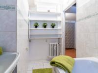 Koupelna - Prodej bytu 3+1 v osobním vlastnictví 77 m², Praha 6 - Dejvice