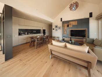 Obývací prostor - Prodej domu v osobním vlastnictví 120 m², Vysoký Újezd