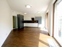 Atypický obývací pokoj - Pronájem bytu 3+kk v osobním vlastnictví 85 m², Praha 5 - Smíchov