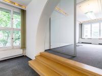 Krásná prosklená kancelář pro ředitele  - Pronájem domu v osobním vlastnictví 550 m², Praha 10 - Vršovice