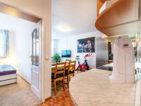pohled z předsíně - Prodej bytu 2+kk v osobním vlastnictví 44 m², Praha 5 - Zbraslav