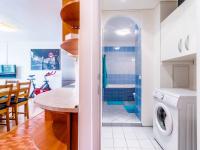 koupelna s wc - Prodej bytu 2+kk v osobním vlastnictví 44 m², Praha 5 - Zbraslav