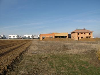 Prodej pozemku 1501 m², Zbuzany