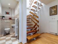1.NP - Prodej domu v osobním vlastnictví 234 m², Praha 9 - Prosek