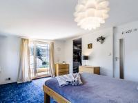 Pokoj s lodžií ve 3.NP - Prodej domu v osobním vlastnictví 234 m², Praha 9 - Prosek