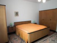 ložnice 2.byt - Prodej domu v osobním vlastnictví 300 m², Sokolov