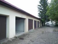 garáž - Prodej domu v osobním vlastnictví 300 m², Sokolov