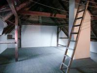 půda - Prodej domu v osobním vlastnictví 300 m², Sokolov