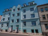 Pohled na dům (Prodej nájemního domu 850 m², Košťany)