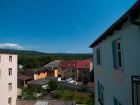 Výhled z okna (Prodej nájemního domu 850 m², Košťany)