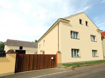Prodej domu v osobním vlastnictví 150 m², Dolní Zálezly