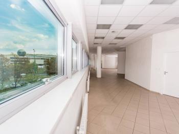 Pronájem skladovacích prostor 989 m², Most