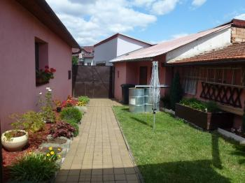 Prodej domu v osobním vlastnictví 203 m², Cvrčovice