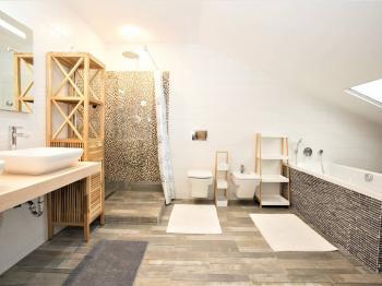 Prodej bytu 3+kk v osobním vlastnictví, 90 m2, Sveti Filip i Jakov