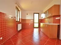 kuchyně ... (Prodej domu v osobním vlastnictví 236 m², Havlíčkův Brod)