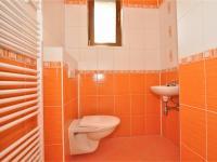 samostatný klozet ... (Prodej domu v osobním vlastnictví 236 m², Havlíčkův Brod)