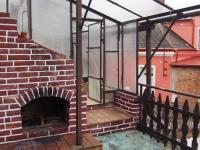 Terasa s krbem a se skleníkem - Prodej domu v osobním vlastnictví 700 m², Krouna