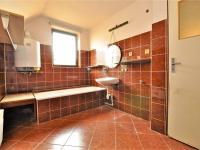 koupelna 2. NP ... - Prodej domu v osobním vlastnictví 294 m², Rozsochatec