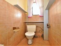 klozet ... - Prodej domu v osobním vlastnictví 294 m², Rozsochatec