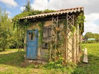 zahradní domek ... - Prodej domu v osobním vlastnictví 294 m², Rozsochatec