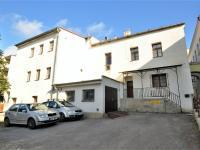 parkování, vstup do domu ... - Pronájem kancelářských prostor 47 m², Havlíčkův Brod
