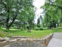 okolní park ... - Pronájem obchodních prostor 90 m², Havlíčkův Brod