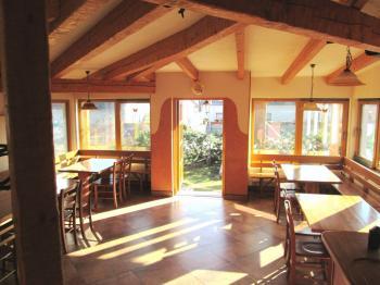 zimní zahrada interiér - Pronájem restaurace 260 m², Miličín