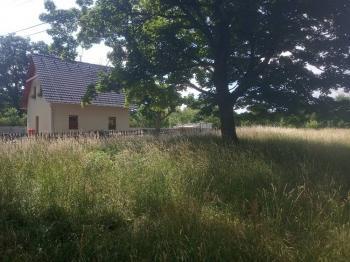 Prodej pozemku 1471 m², Nová Ves