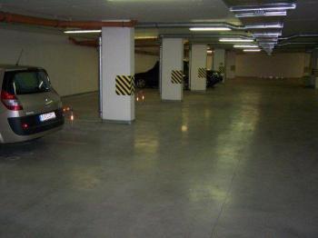 Pronájem garážového stání 16 m², Praha 8 - Střížkov