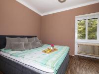 ložnice v patře - Prodej domu v osobním vlastnictví 162 m², Prackovice nad Labem