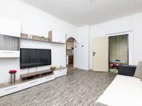 obývací pokoj v patře - Prodej domu v osobním vlastnictví 162 m², Prackovice nad Labem