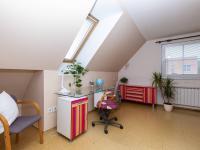 Dětský pokoj - Prodej domu v osobním vlastnictví 151 m², Krabčice