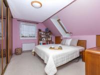 Horní ložnice - Prodej domu v osobním vlastnictví 151 m², Krabčice
