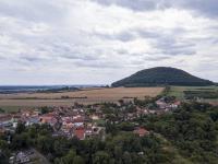Pohled na Říp - Prodej domu v osobním vlastnictví 151 m², Krabčice