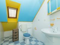Horní koupelna - Prodej domu v osobním vlastnictví 151 m², Krabčice