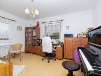 Ložnice v přízemí - Prodej domu v osobním vlastnictví 151 m², Krabčice