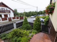 Příchod od garáže - Prodej domu v osobním vlastnictví 151 m², Krabčice