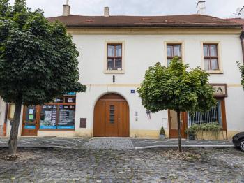 Dům na Husově náměstí - Pronájem bytu 3+1 v osobním vlastnictví 96 m², Roudnice nad Labem
