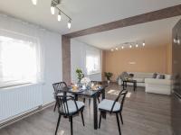 Jídelní kout - Prodej domu v osobním vlastnictví 142 m², Chodouny