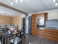 Kuchyně s jídelním koutem - Prodej domu v osobním vlastnictví 142 m², Chodouny
