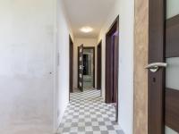 Horní chodba - Prodej domu v osobním vlastnictví 142 m², Chodouny