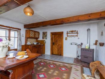 Místnost s kuchyňkou - Prodej chaty / chalupy 80 m², Štětí